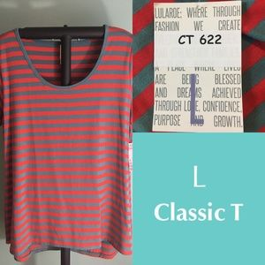 LuLaRoe Classic T shirt - large